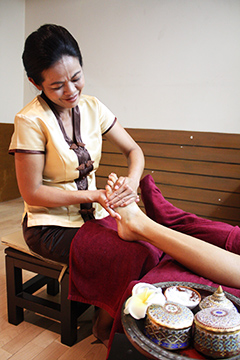Thai Foot & Leg Massage